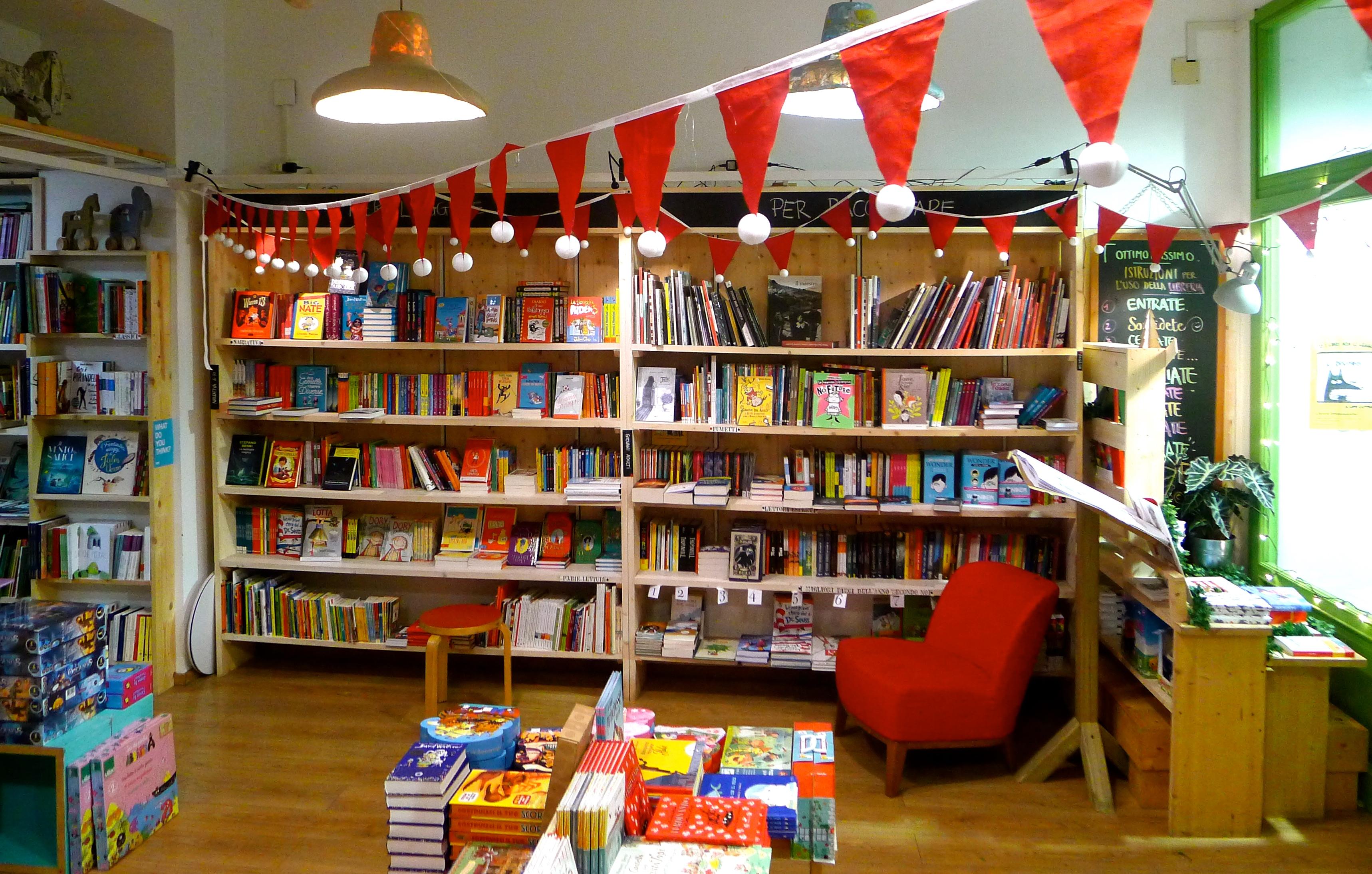 Mobile libreria per bambini per bambini oltre anno for Mobile libreria per bambini